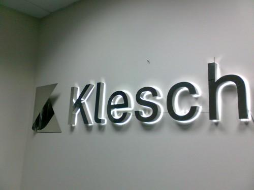 буквы с подсветкой